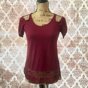 Tops - Burgundy cotton cold shoulder top.